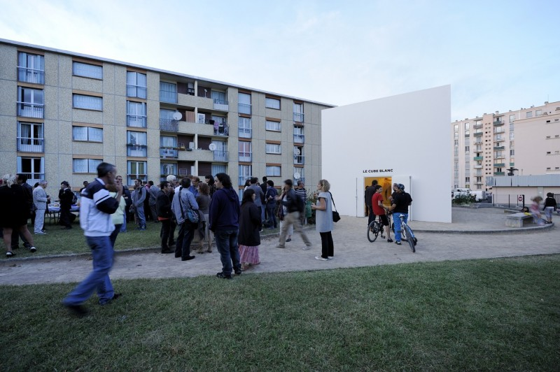 """View of the Cube Blanc (""""White Cube""""), an exhibition space made in Décines (east suburbs of Lyon) and animated by a group of 15 inhabitants living in the surrounding estates"""