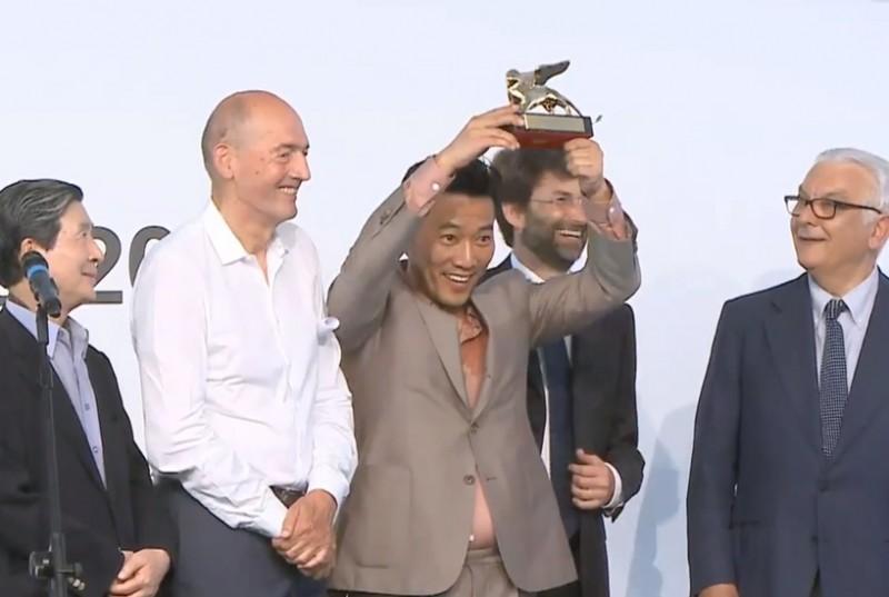 korea-wins-golden-lion