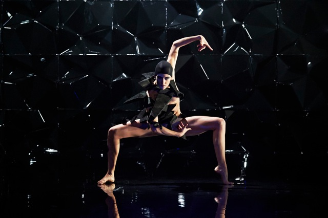 Danish Dance Theatre performing Black Diamond in Shanghai and Zhangzhou