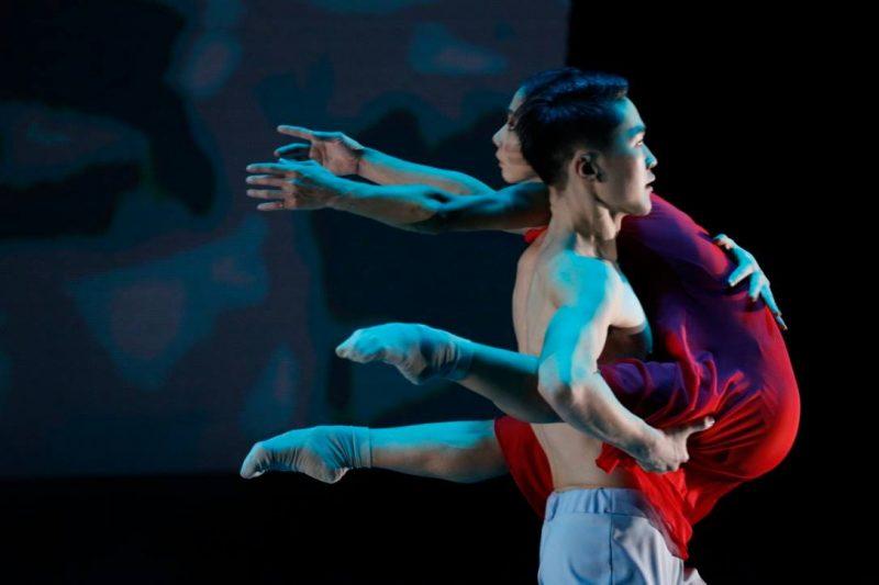 Aquafire contemporary dance production: Dancers Odbayar Batsuuri & Ganchimeg Choijilsuren. Photo credit: Davaanyam