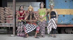 Yogyakarta | Project Tobong | exhibition and tours