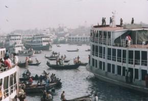 Steamers_in_Sadarghat_Dhaka