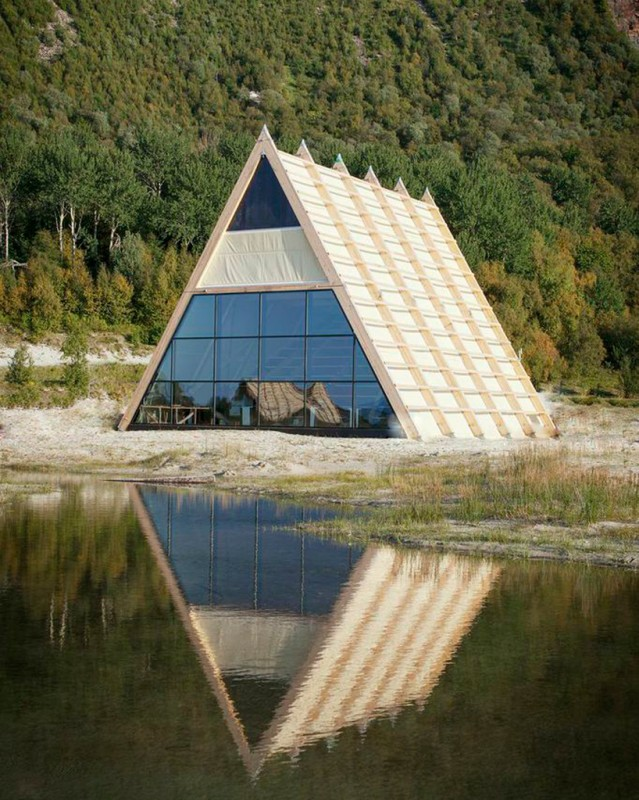 worlds-largest-sauna-agora-salt-festival-norway-designboom-08