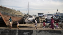 The People Behind the Seawall | NL photo exhibition in Jakarta